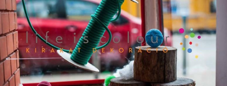 Kirakatdekoráció – Függőágybolt